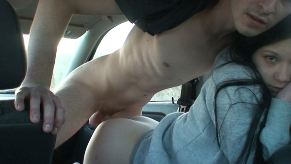 czech-amateurs-fucking-in-the-car